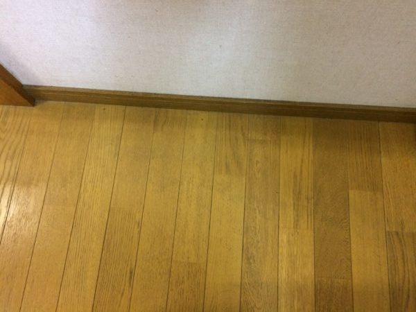 ラクラシースチームクリーナーで綺麗になった床